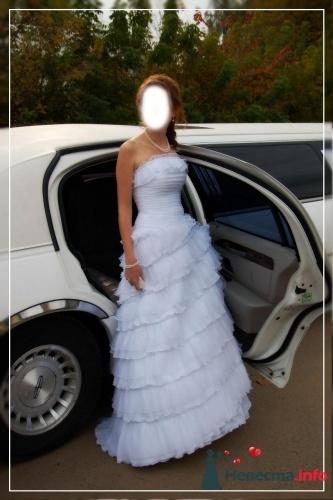 """Продаю элегантное свадебное платье  """"Бегония """" Италия.  Белого цвета.Размер 42-44.  Подъюбник с 2-мя кольцами."""