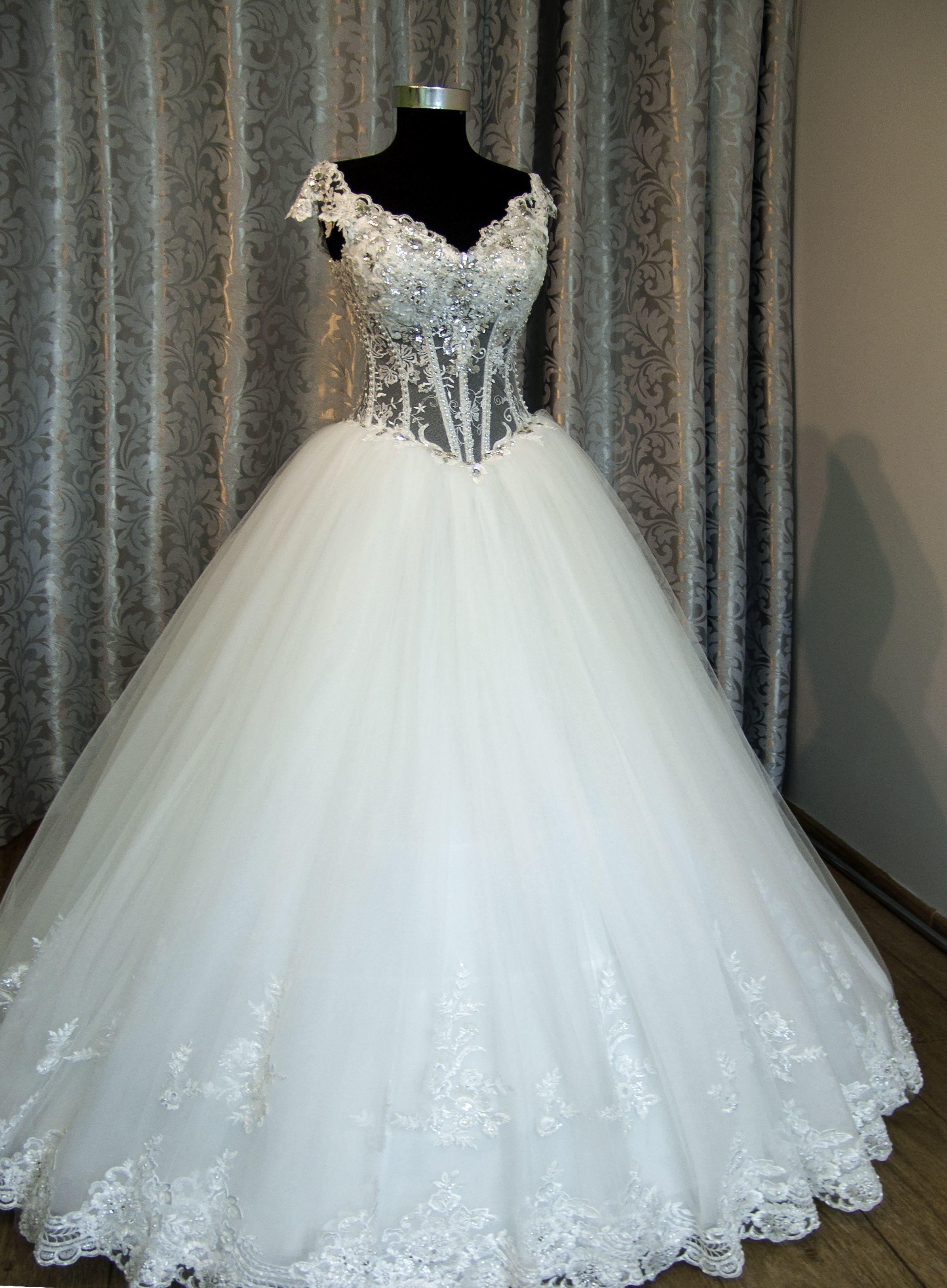 Хочу на весілля дуже дуже пишного плаття допоможіть мені фото 17 фотография