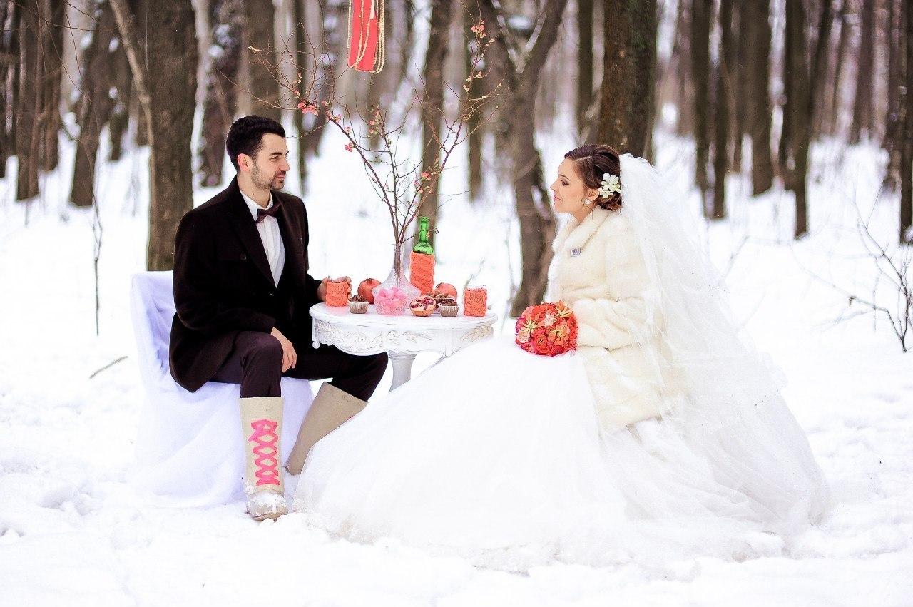 Оригинальные фото зимних свадеб