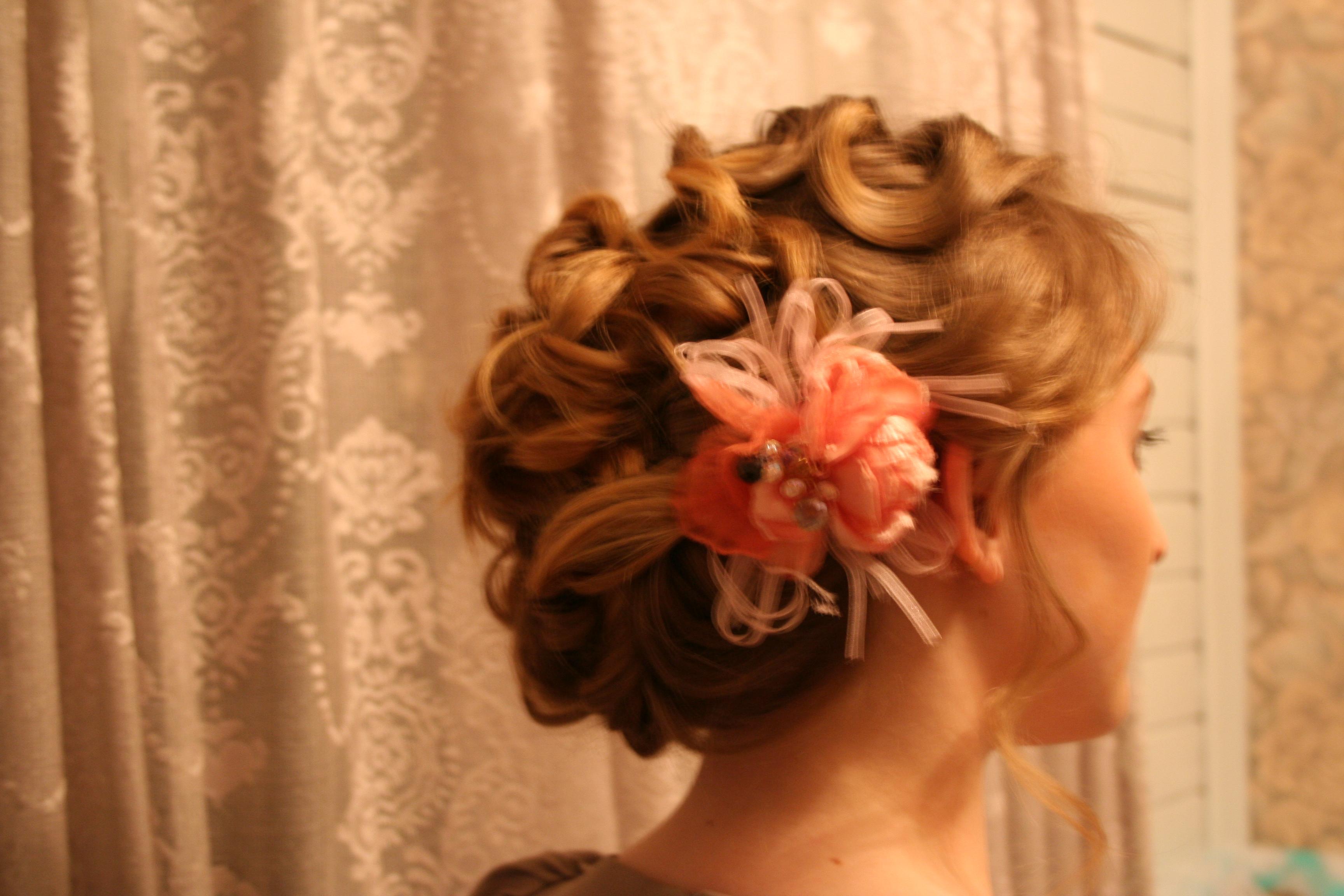Причёски на волосы до плеч на свадьбу фото пошагово