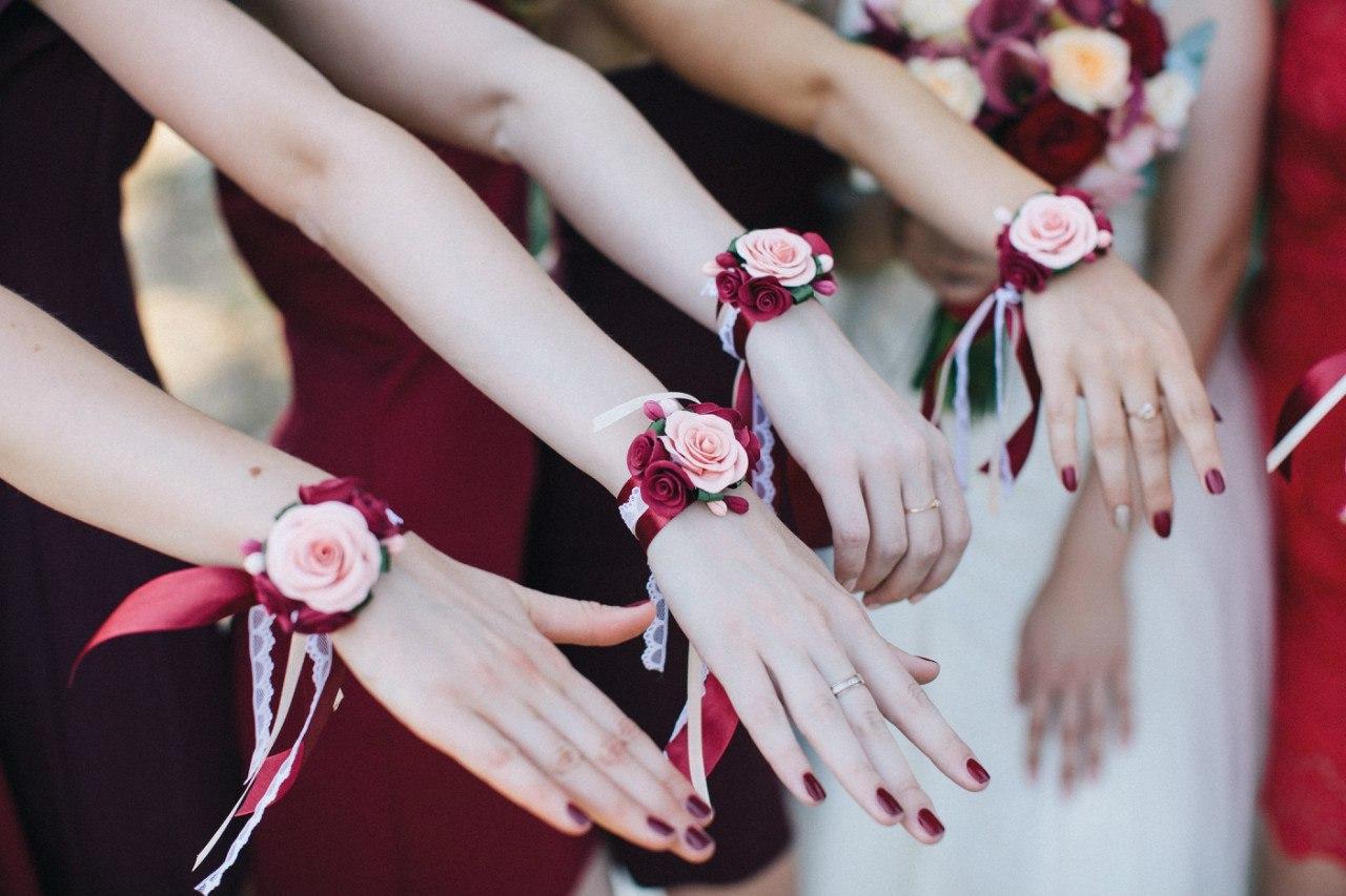 Браслеты для подружек невесты: оригинальное украшение на руку 79