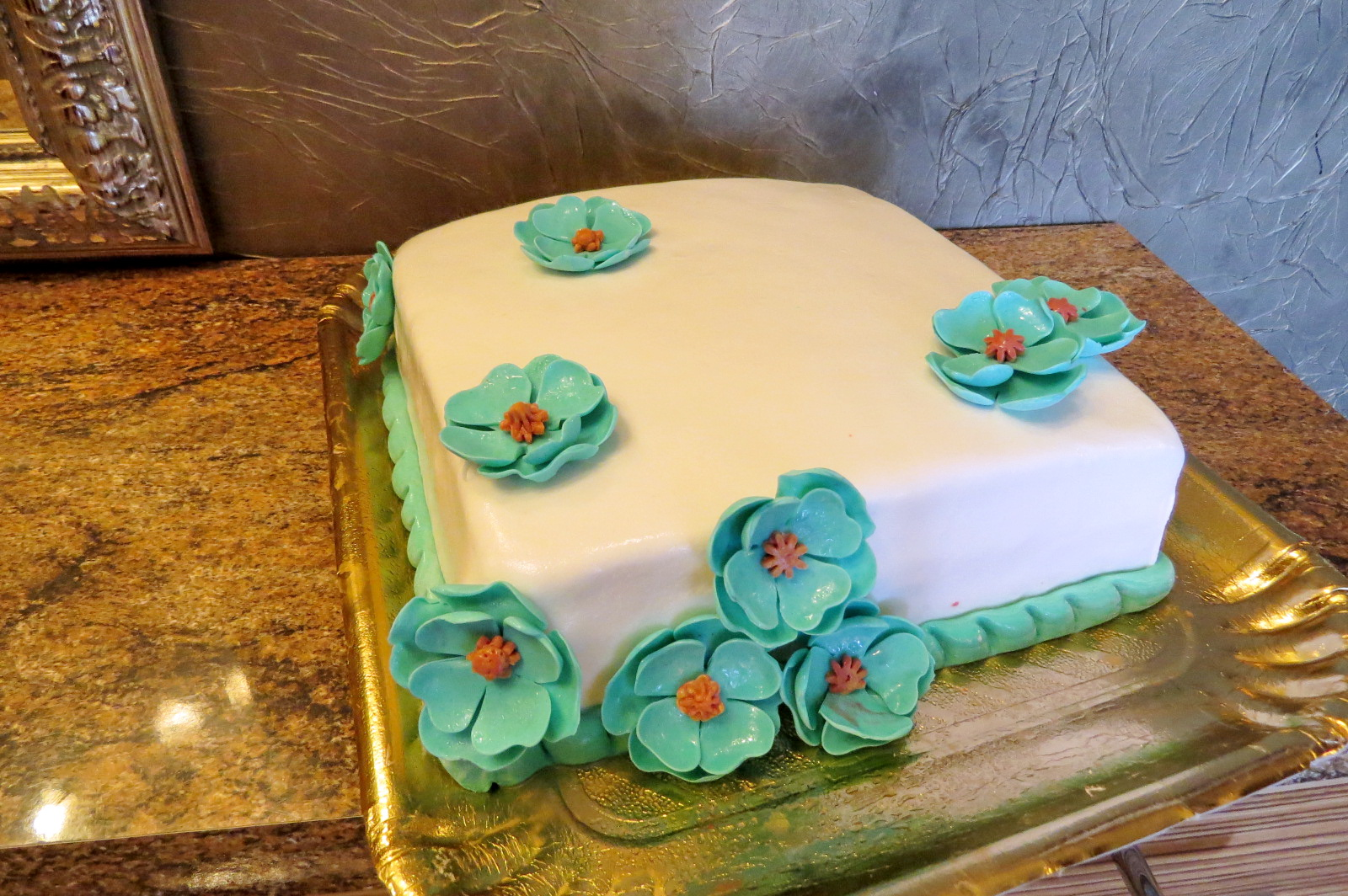 Торт с мастикой для начинающих