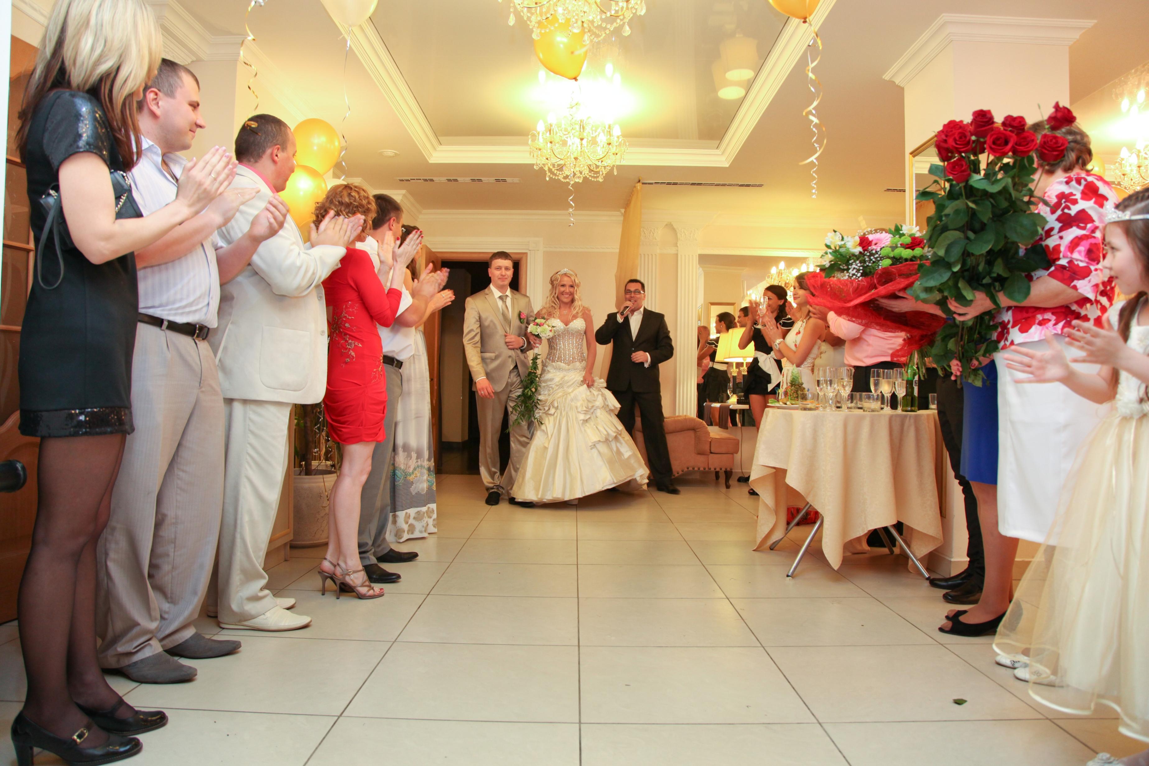 Музыкальное поздравление от друзей на свадьбу