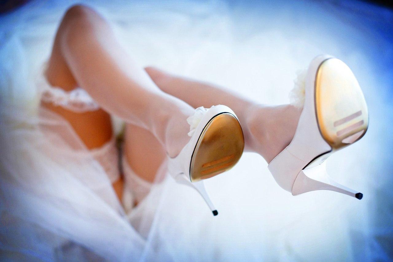 Фото невест нога на ногу, Снова невесты. Ножки (42 фото) » Триникси 17 фотография