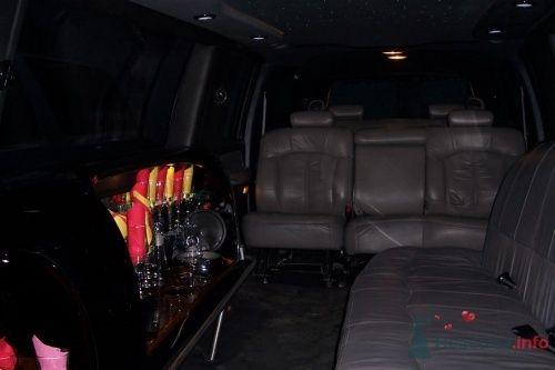 Фото 4796 в коллекции джип - лимузин черного цвета (17 мест)