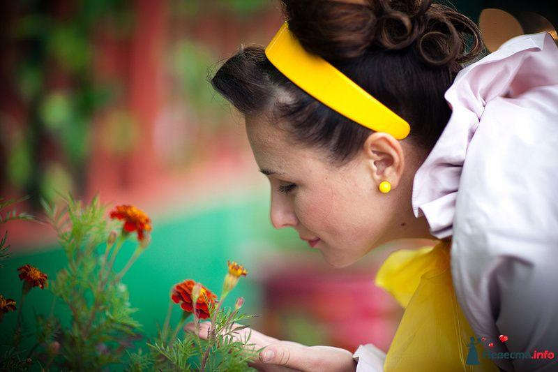 Нежный свадебный образ невесты подчеркнут прической на длинные волосы - фото 123838 Фотограф Ольга Кедрова