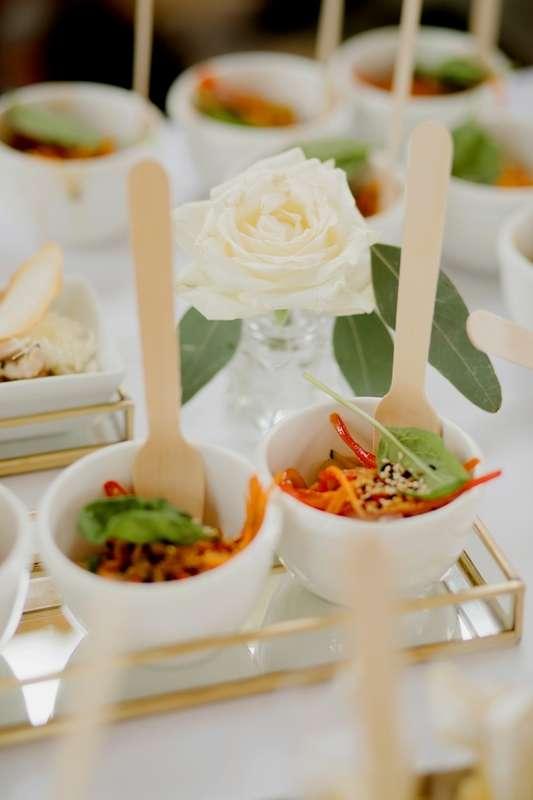 Фото 19488604 в коллекции Свадебный фуршет - Morozov catering - выездное обслуживание