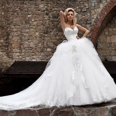 Платье, модель Estefania
