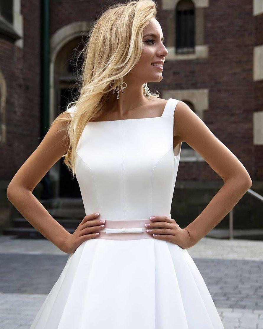 Платье, модель Roby