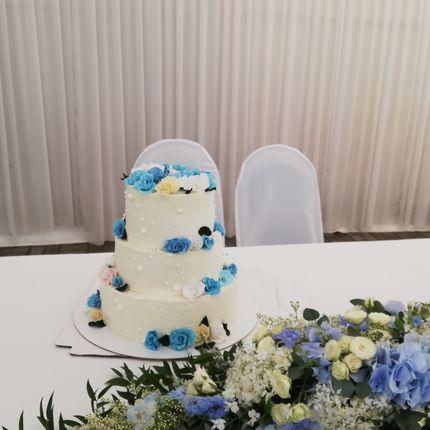 """Торт """"Голубые розы"""", цена за 1 кг - 3 яруса"""