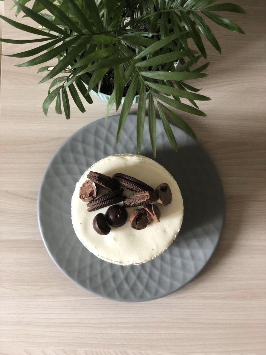 Бисквитный торт с кремом из Маскарпоне и взбитых сливок