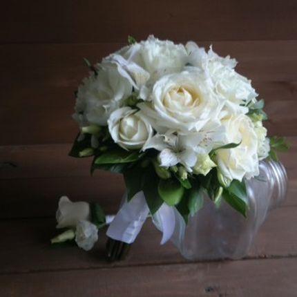 Белоснежный букет невесты