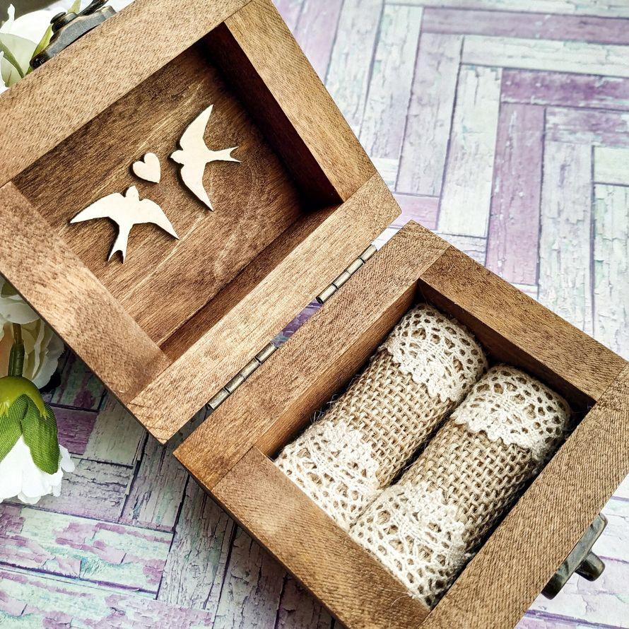 Деревянная шкатулка для колец с гравировкой