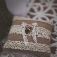 Льняная подушечка для колец на свадьбе Наташи и Димы