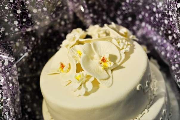Фото 2205392 в коллекции Мои фотографии - Свадебные торты от Наталии Аржаковой