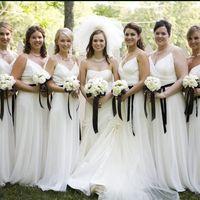 Невеста и её подружки-белое с элементами чёрного