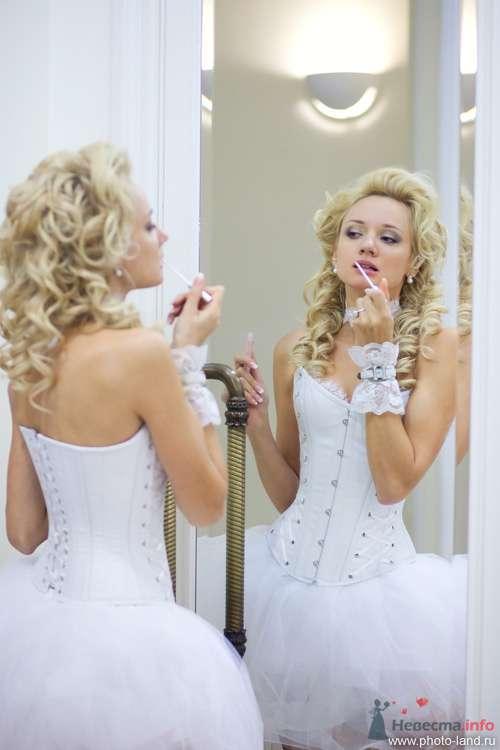 Фото 72417 в коллекции Елена и Александр (версия альбома в цвете) - Свадебные фотоистории от Андрея Егорова