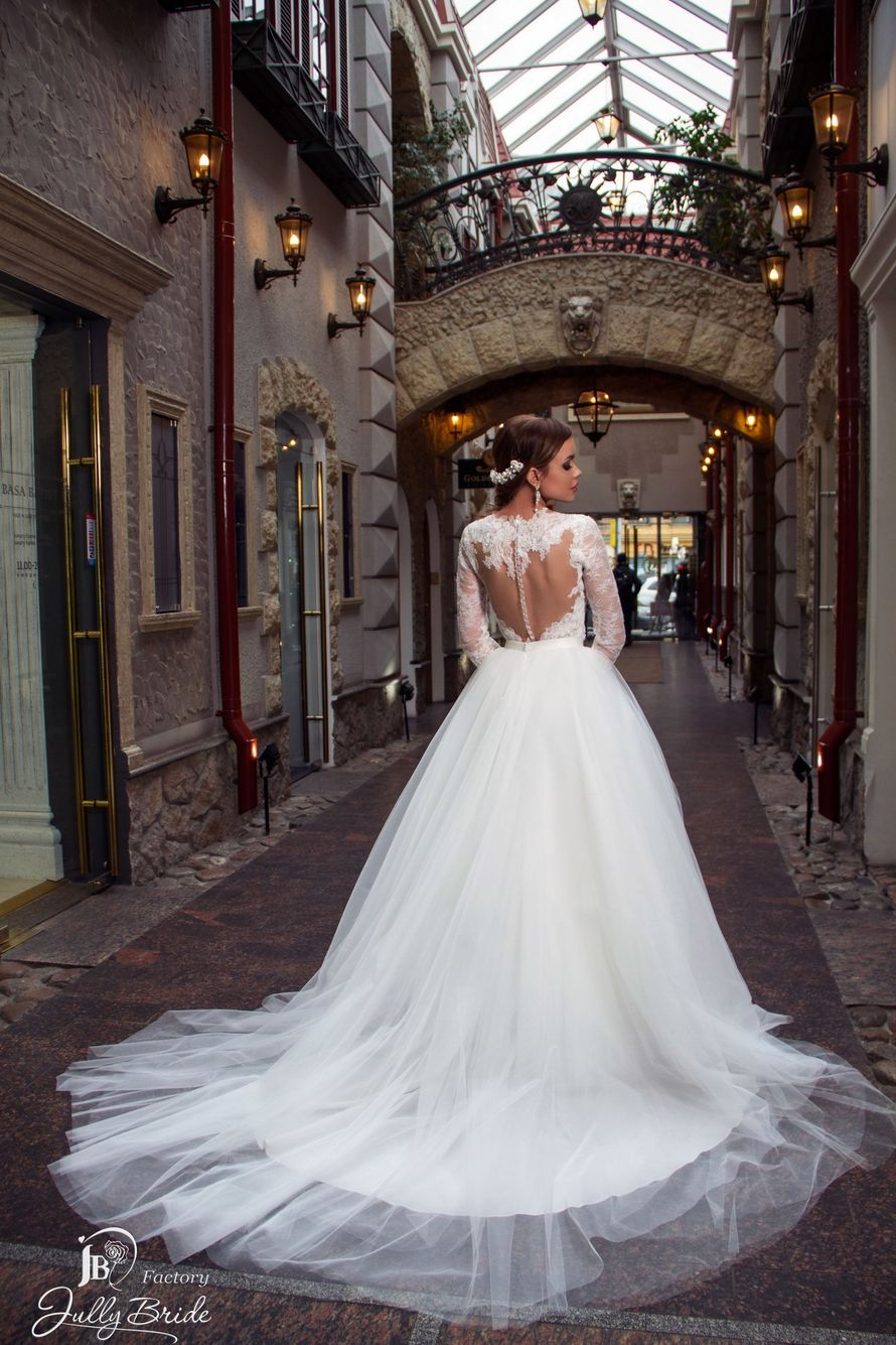 "Фото 14510550 в коллекции ITALIAN BUTIQUE - Салон свадебной и вечерней моды ""Barsonini"""