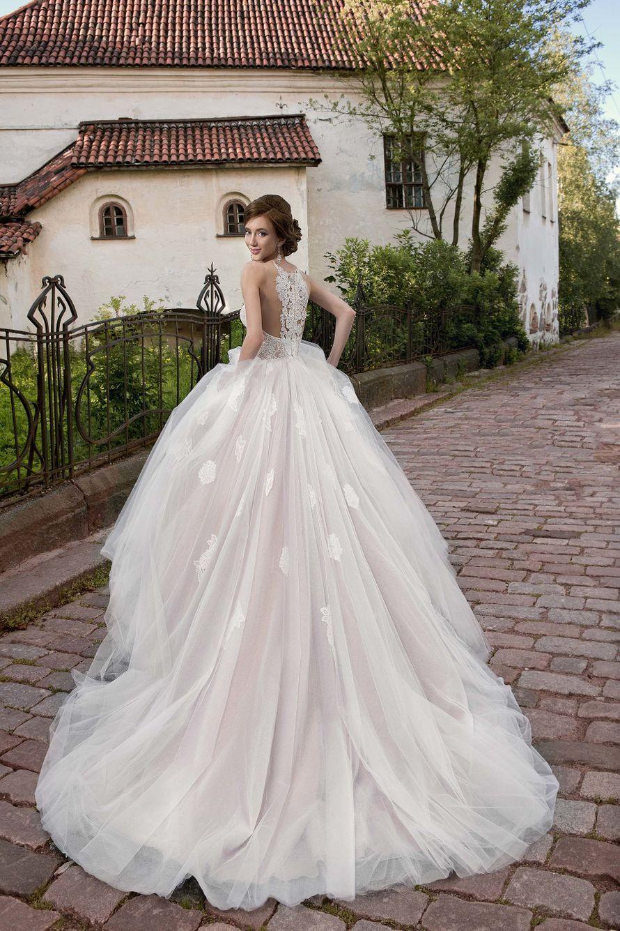 яркие прокат свадебных платьев нижний новгород фото молодого художника