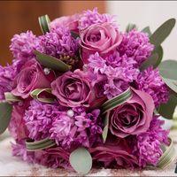 Сиреневый букет невесты из сирени и роз