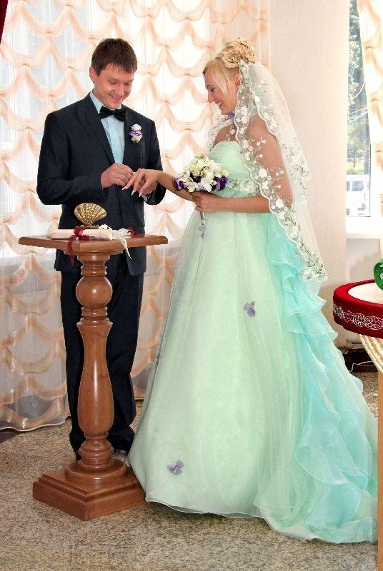 контакты адреса свадебный наряд невесты 40 лет снов Горло, сон
