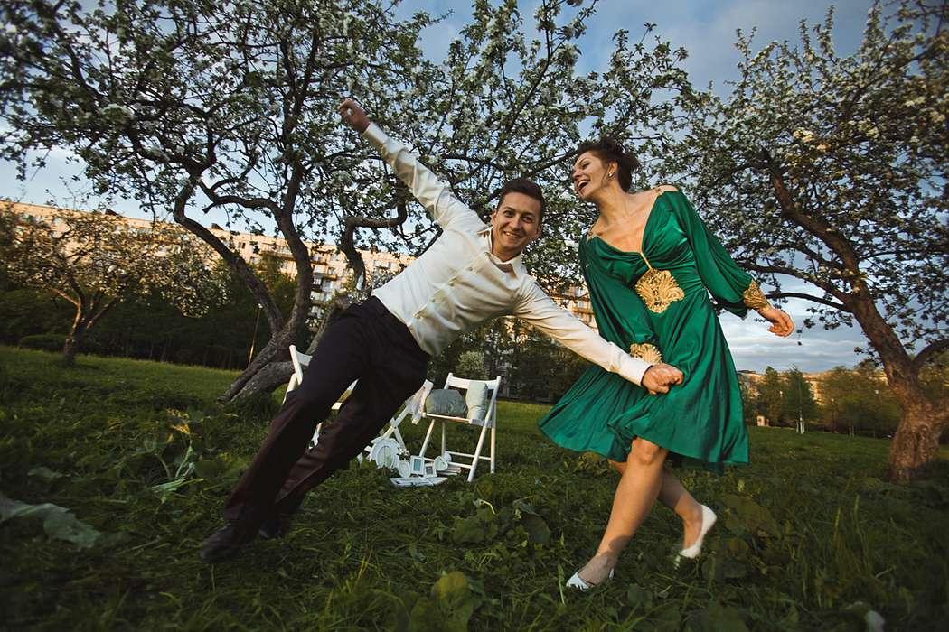 Фото 1934923 в коллекции Весенняя LoveStory в яблоневом саду - Свадебный фотограф Анна Алфёрова