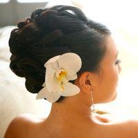 Прическа и макияж для невесты и гостей мероприятий