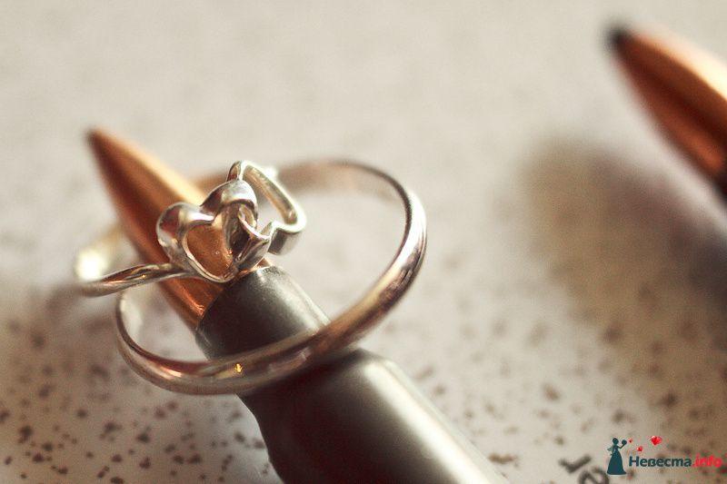"""Золотые кольца на фоне пули с плетением """"Бант"""". - фото 128006 Фотограф Наталья Дуплинская"""