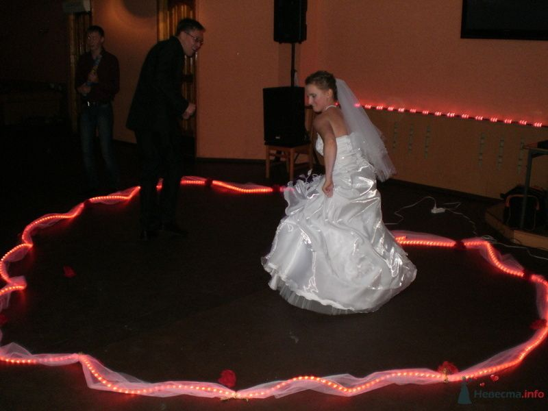танец жениха с невестой с приколом - фото 78980 Наталия Ведущая
