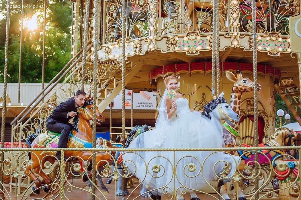 Фото на каруселях свадебное кемерово