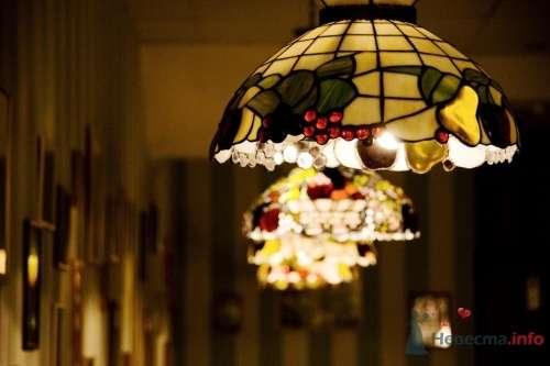 """Люстры сделаны в италии на заказ. - фото 10556 Сеть ресторанов """"Ливорно"""""""