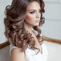 Свадебная прическа в греческом стиле.Яркий макияж глаз. Стиль- Эль Стиль