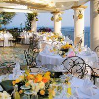 свадебный банкет с символом амальфийского побережья - лимоном
