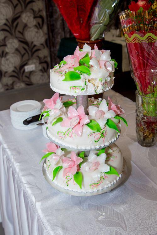 Выставка свадебных тортов фото