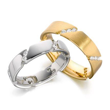 Обручальные кольца из белого и жёлтого золота с бриллиантами