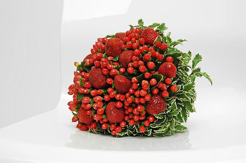 Поздравление от ягод на юбилей 916