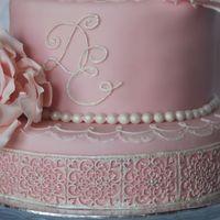 Свадебный торт в Праге.Вес 5,5 кг. Сахарные цветы и украшения.Ручная роспись.