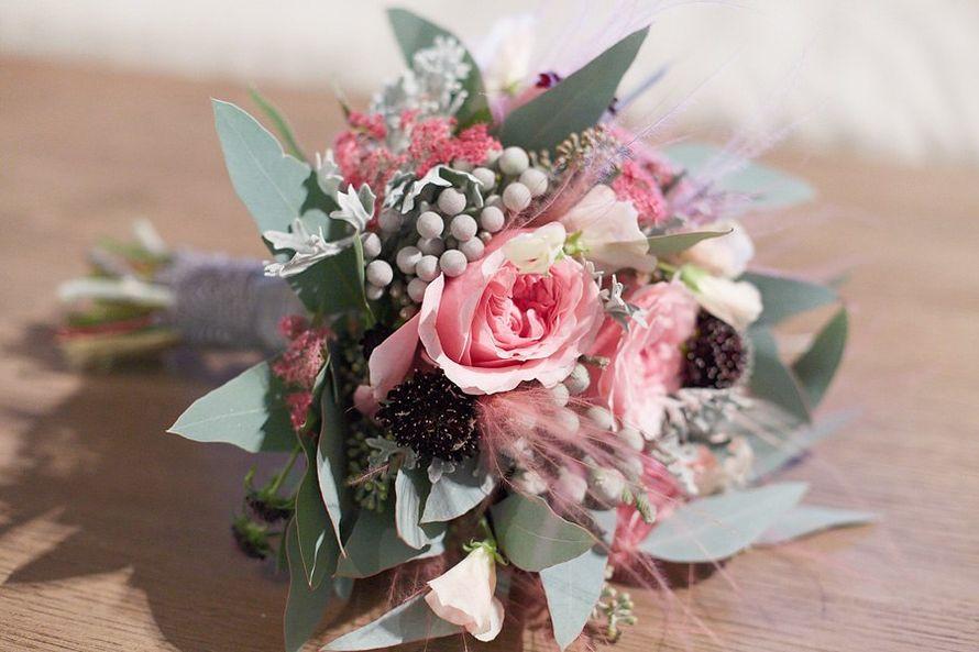 розовые пионовидные розы, скабиозы и ковыль - фото 4696173 Adele floral design - оформление свадеб