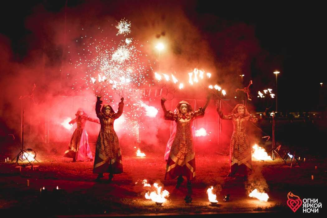 """Фото 14592914 в коллекции Портфолио - Пиротехническое шоу """"Огни яркой ночи"""""""