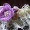 подвязка айвори с нежно-сиреневым цветком из ткани