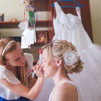 Невеста Света-пришла ко мне и доверилась полностью .... надеюсь ей было приятно увидеть себя в таком образе..... с такой прической и с такими макияжем....потом со Светой мы увиделись еще - она рассказывала, как проходит подготовка к свадьбе....Переживала