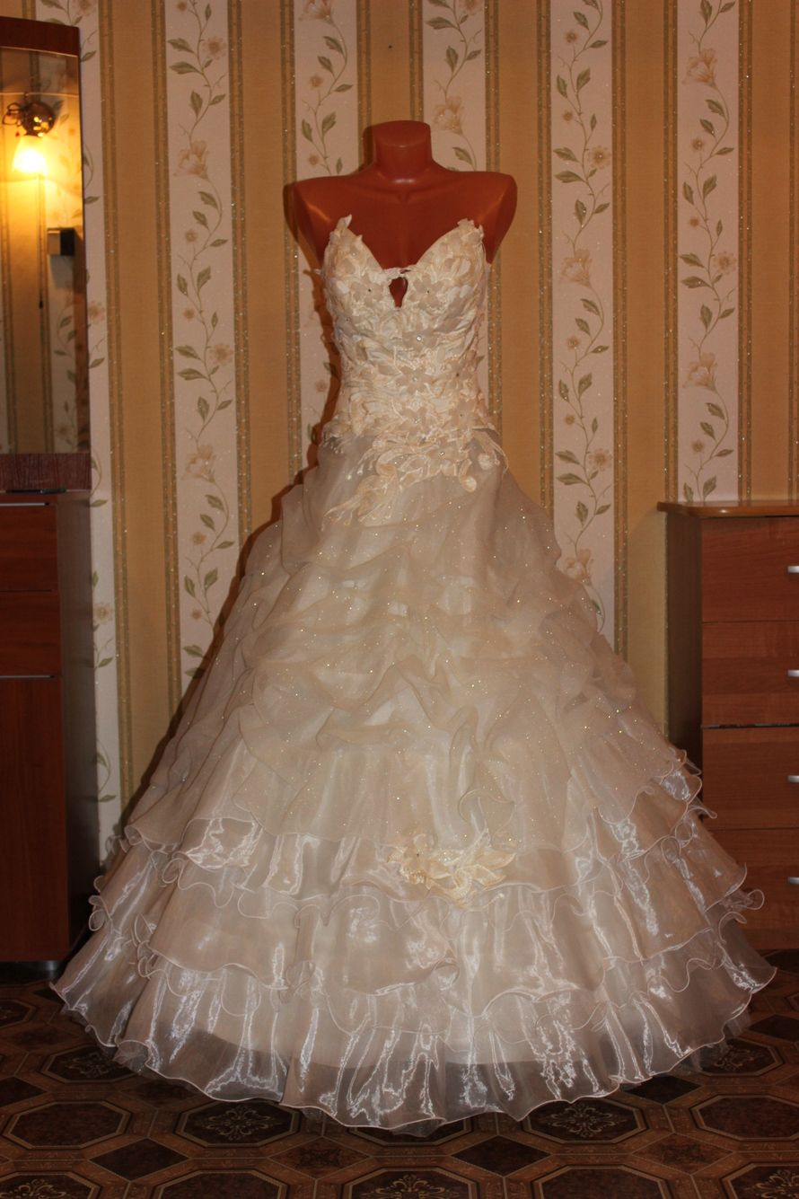 Цвет брызги шампанского свадебное платье