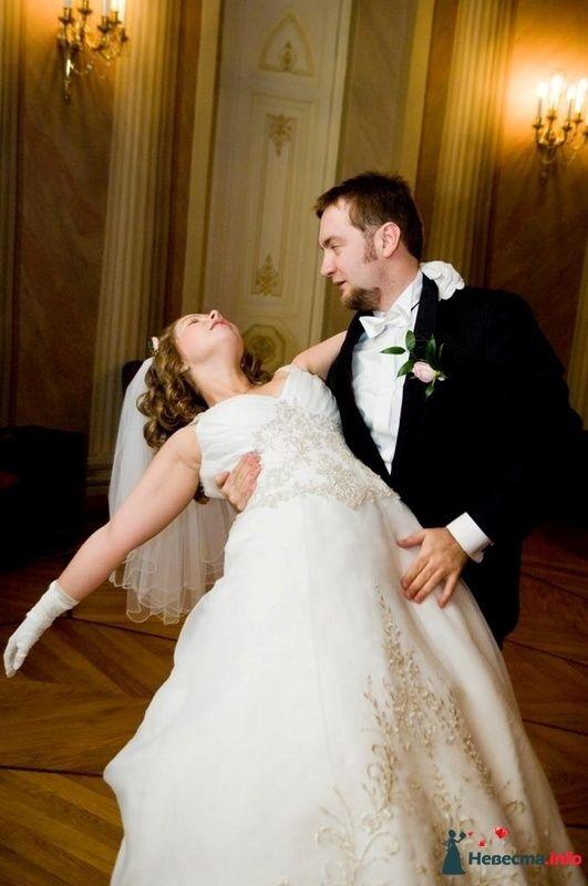 """Свадебный танец Яны и Алексея. """"Леди в мужественных руках своего возлюбленного"""" - фото 101075 Школа танцев - Танцевальная мастерская"""