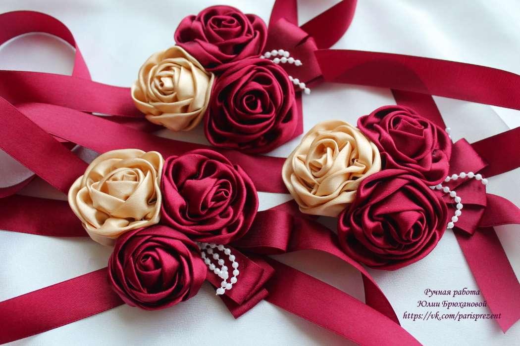 Цветы для подружек невесты на руку своими руками из ленты 79