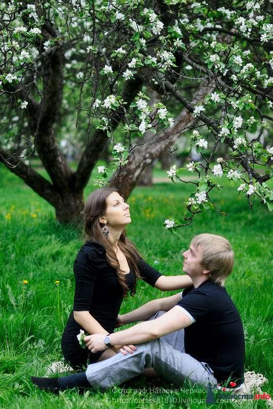 Фото 97837 в коллекции Инара (Inessa18) и Алексей в яблоневом саду - Фотограф Наталья Черкасова