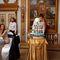 Фото со свадьбы - подача торта с капкеками.  Кондитерская СВИТ МЭРИ. Бесплатная дегустация. Цены на сайте. Без выходных.