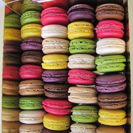 Макарон - французский миндальный десерт, цена за 1 шт