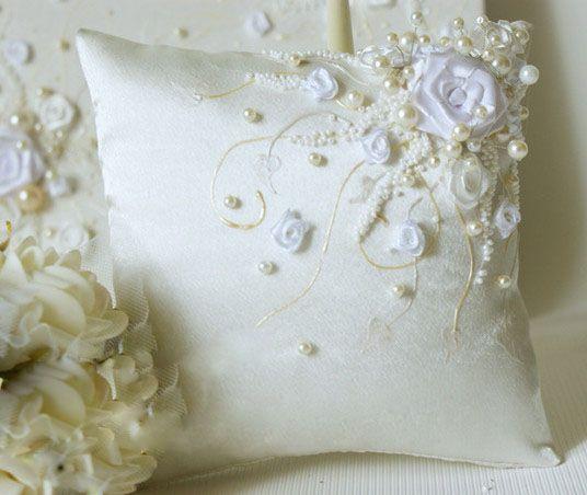 Фото 970515 в коллекции Подушечки для колец - Свадебные аксессуары от WeddingDecor