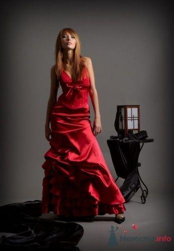 Вечернее платье для торжественных случаев 9000 руб.