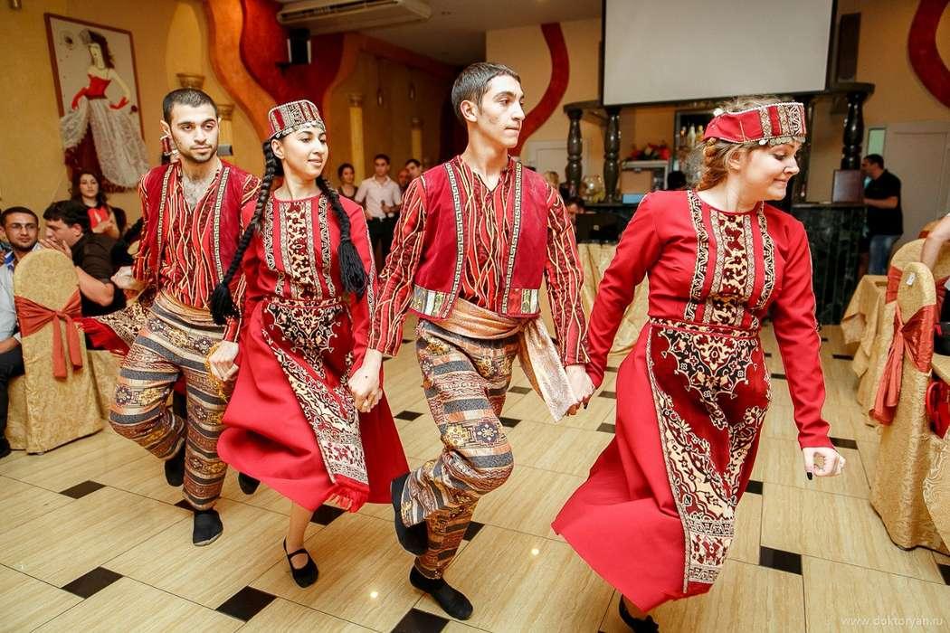 Танцующий армян картинка
